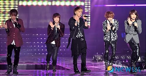 [20.2.2010][Pics] SHINee at T-Store Super Concert 92210957