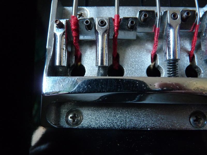 saddle - Thunder 1A V3 bridge saddle P1060120_zpsrl15lo8o