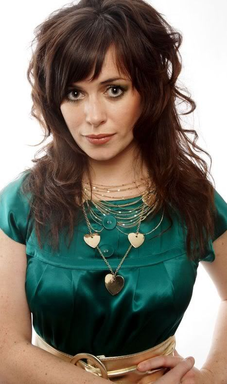 Let's see your eye candy! Eve-Myles-torchwood-873906_467_7891