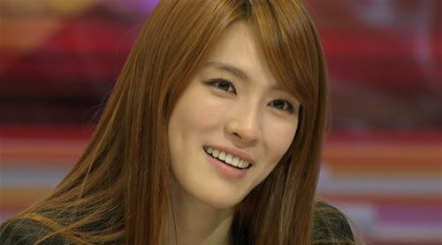 [AfterSchool]Kahi sheds tears while discussing the difficulties of being After School's leader 20110520_kahi_2