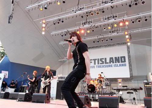 [2PM & F.T. Island]2PM's debut single & F.T. Island's debut album both break records in Japan! 20110523_ftisland