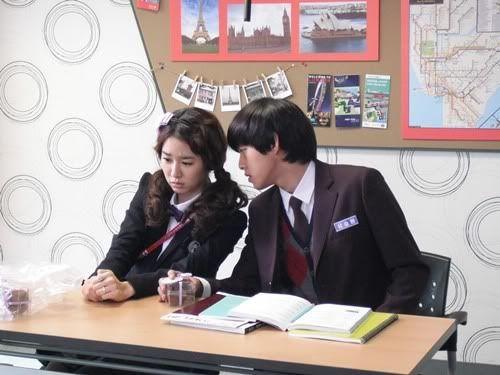 "[U-Kiss]U-Kiss's Dongho spews profanity at Yoo In Na for ""My Black Mini Dress"" Donghomoviespeakingenglish"