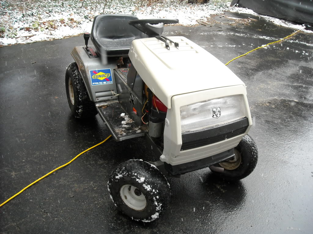 White Outdoors LT 12 Cruisematic with 12.5 horse Briggs and 7 speed tranny  DSCN3023