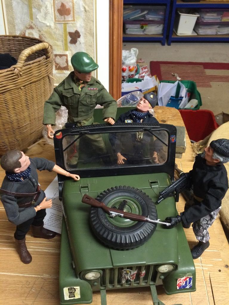 Package evades Gunners supreme commander  026839C1-5BD7-4E77-B00F-6A74041B6B9B_zpsuflgvlgh