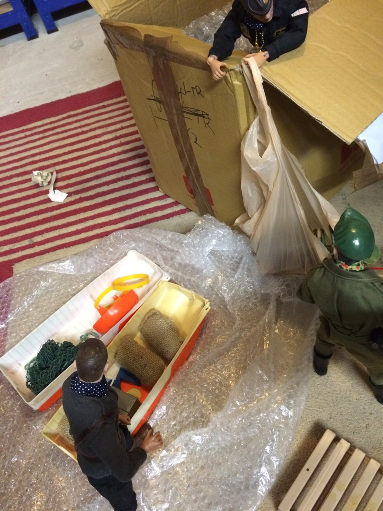 Package evades Gunners supreme commander  07D140E1-9907-4A0C-B505-55D62F958A37_zps4kwi7zoj