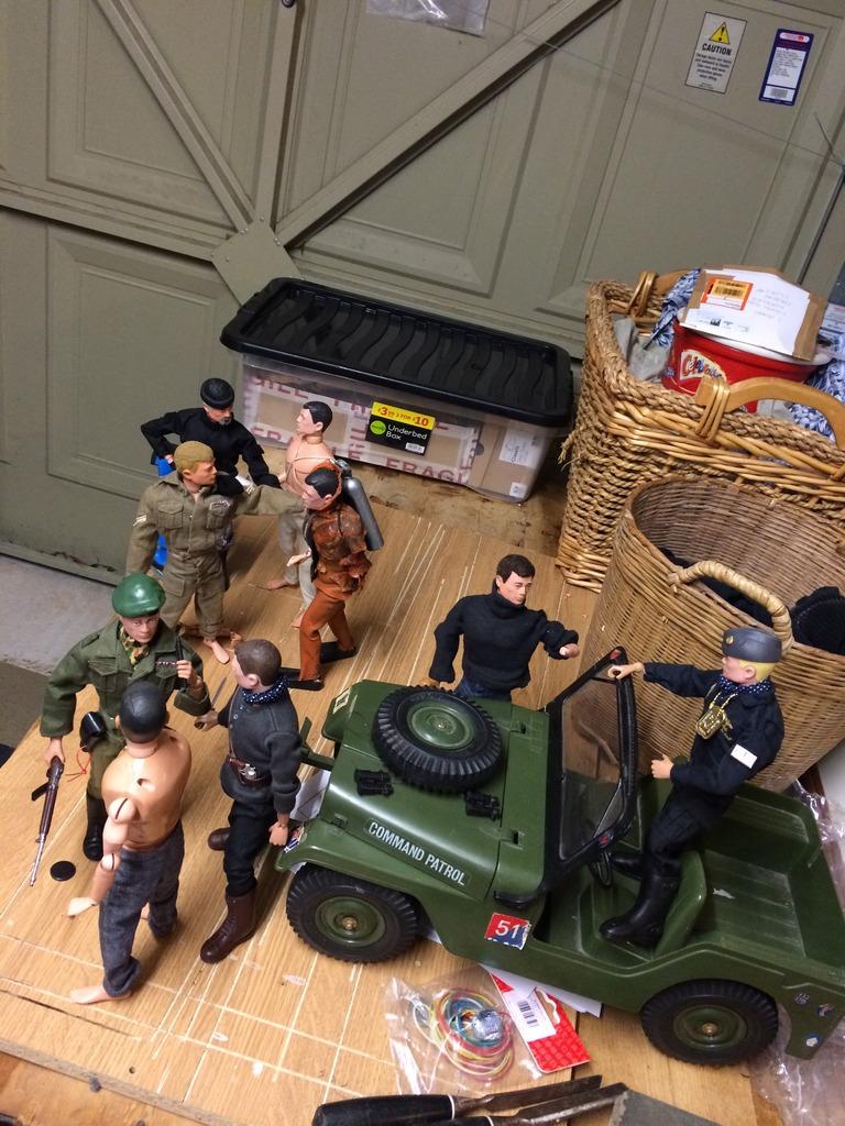 Package evades Gunners supreme commander  7B90BB6F-6D7A-4729-8F3F-6C5AB04DC606_zps2erfhqqh