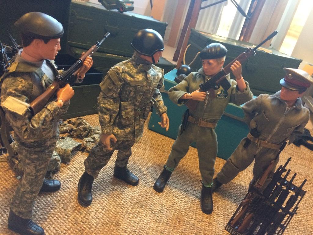 Gunners guys get some gear C4C1C697-2788-4708-8A42-106F3451755C_zpsjwjsrb5s