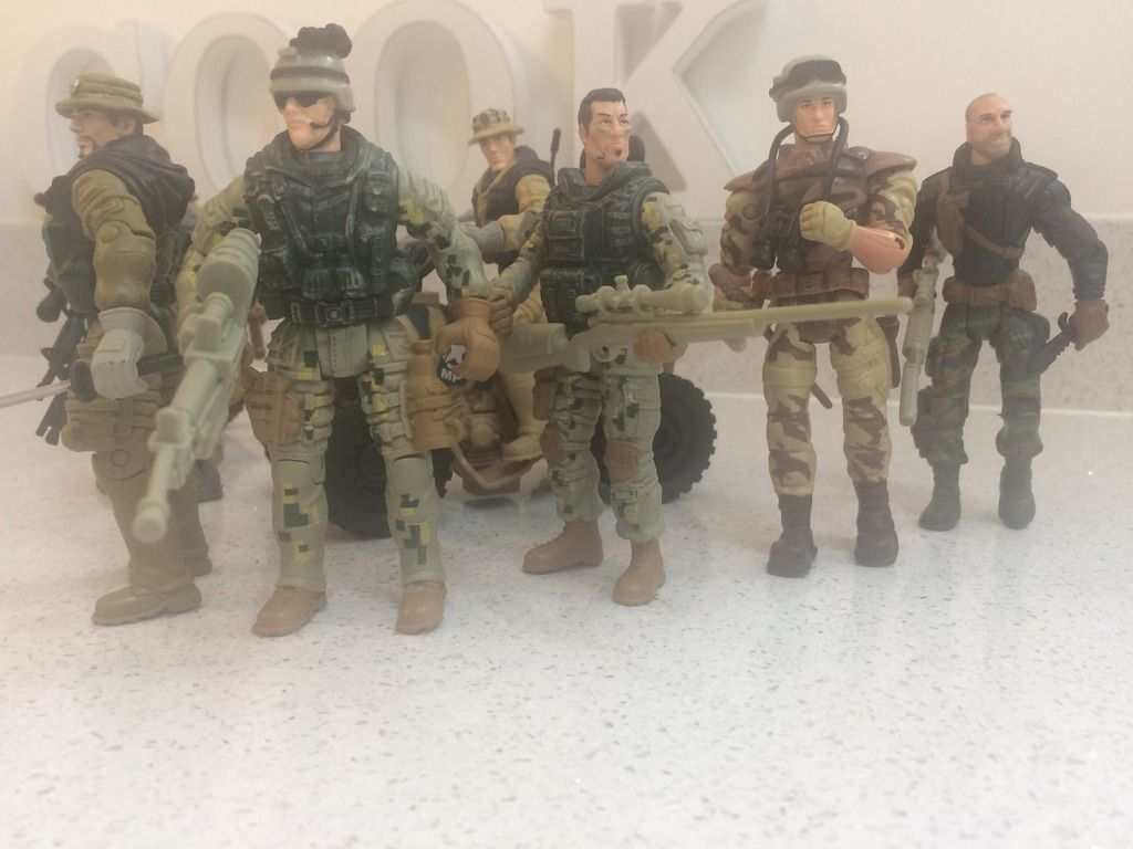 Can any one help me ID these 1/18th Figures ? 5F356D32-97B4-499A-9F17-68275854BE35_zpskjbmvvqs