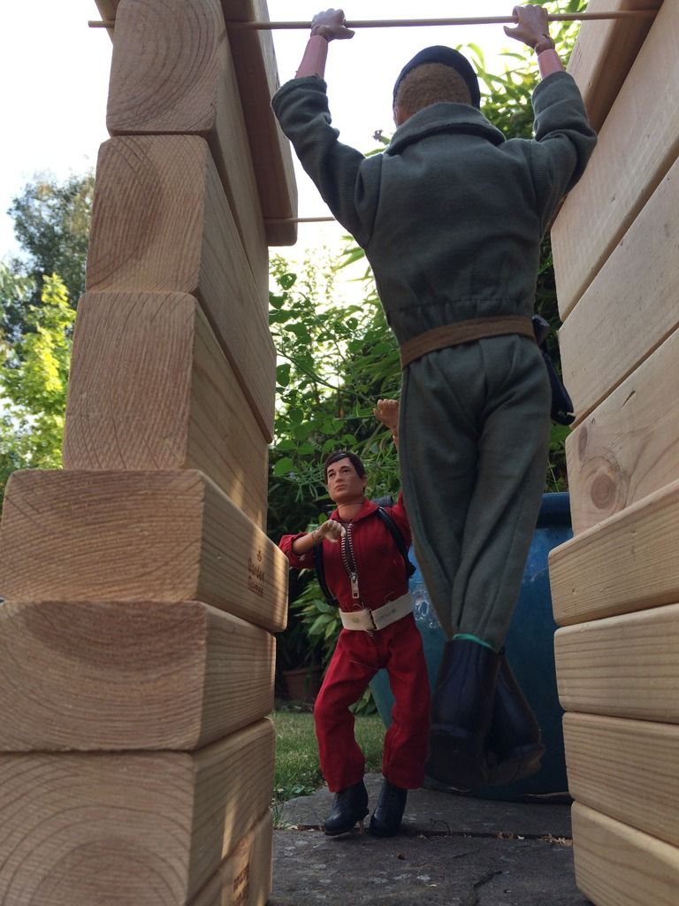 Part 4 - The Assault course -Or what can Gunner1.0 do with a Giant Jenga set ? 023C3A59-9A6F-4F48-9A8A-0D977F133D9B_zps9dqlpjef