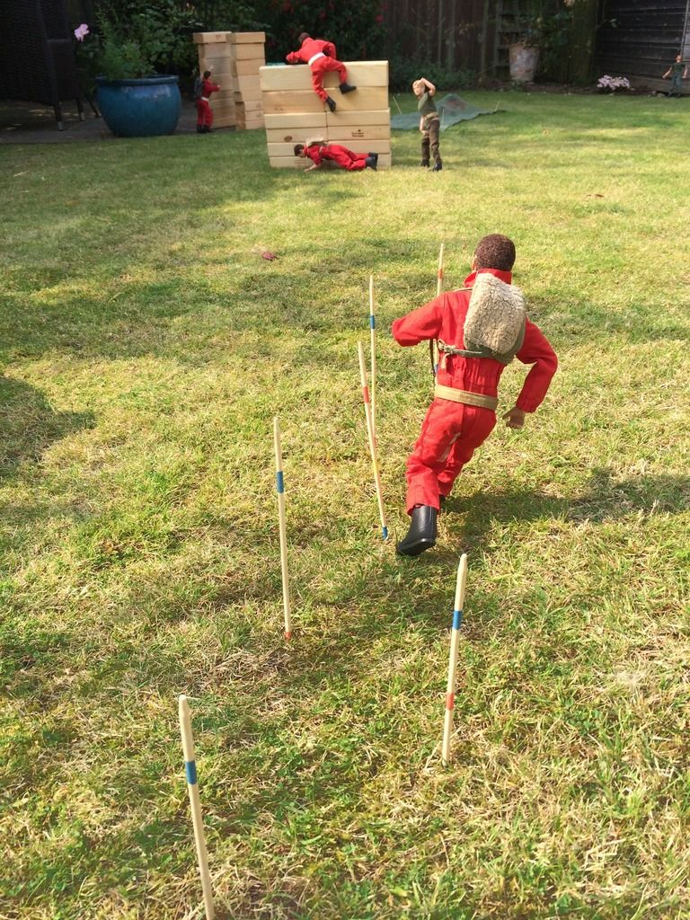 Part 4 - The Assault course -Or what can Gunner1.0 do with a Giant Jenga set ? 79A5D4AE-EE50-4BCA-909E-928DCB5C0A6B_zpslmf1zl1p