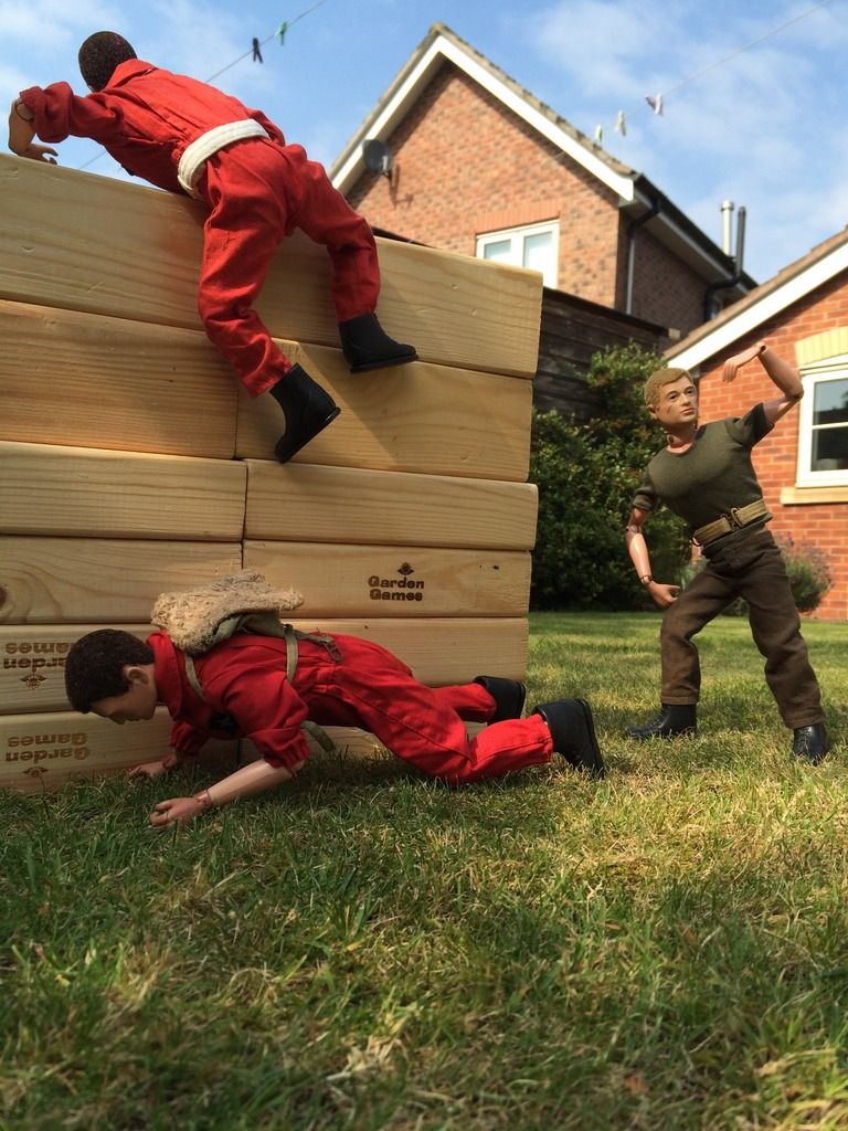 Part 4 - The Assault course -Or what can Gunner1.0 do with a Giant Jenga set ? A14348D6-D009-4EAF-A45C-797DC088F53A_zpsojriltyu