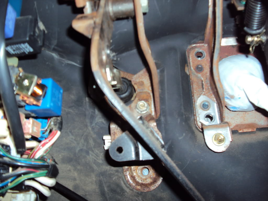 Ivan's AE101 Build Thread 4AGE 20V BT 6Spd LSD Shaved Tucked From Puerto Rico - Page 5 DSC03423