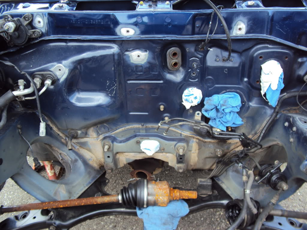 Ivan's AE101 Build Thread 4AGE 20V BT 6Spd LSD Shaved Tucked From Puerto Rico - Page 5 DSC03893