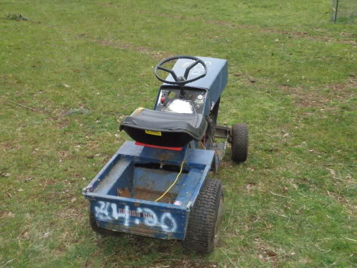 Pick up lawn tractor 26147_104037296295420_1000006744937