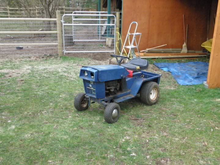 Pick up lawn tractor 26147_104038492961967_1000006744937