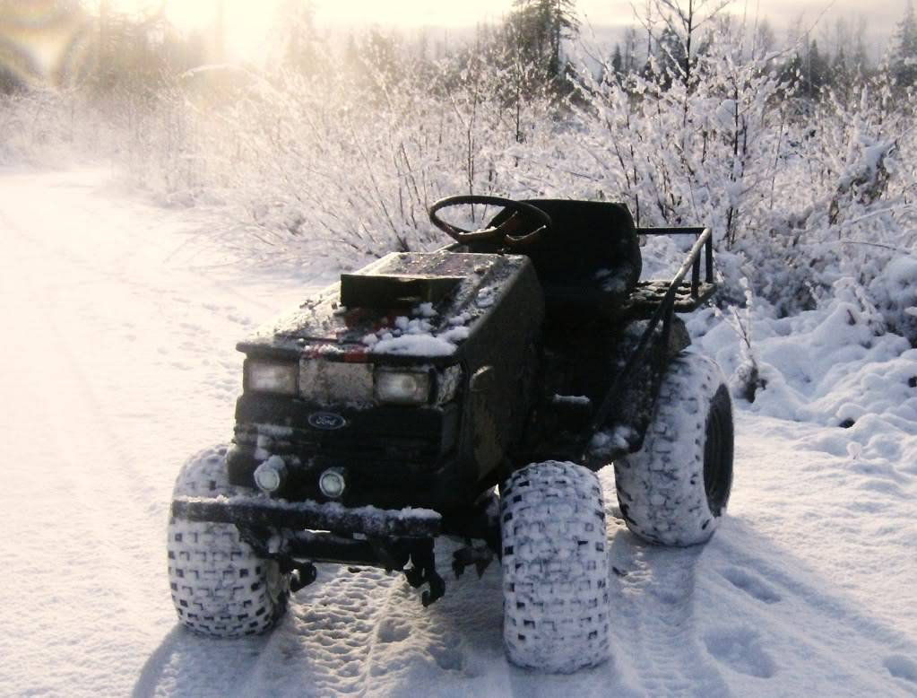 Post your 2011- 2012 snow pics. HPIM1978
