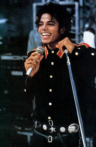 Pictures of MJ - Page 4 Singing