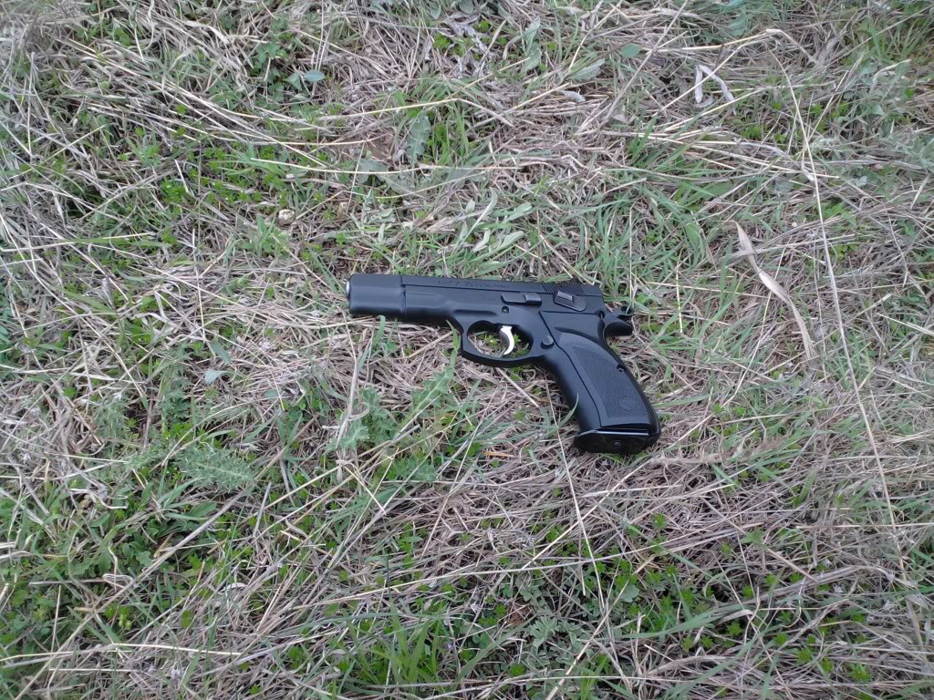 Пиштоли и револвери - Page 3 30