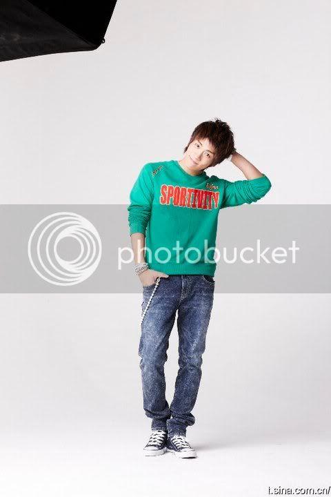 [PICS] 101223 f(x) và SHINee's trong hình ảnh quảng cáo Giáng sinh của Eithtoo! 163229_1358517263065_1835538730_671489_7935794_n