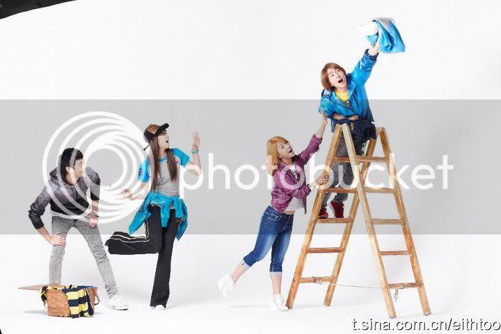 [PICS] 101223 f(x) và SHINee's trong hình ảnh quảng cáo Giáng sinh của Eithtoo! 63521_1358511942932_1835538730_671476_5532634_n