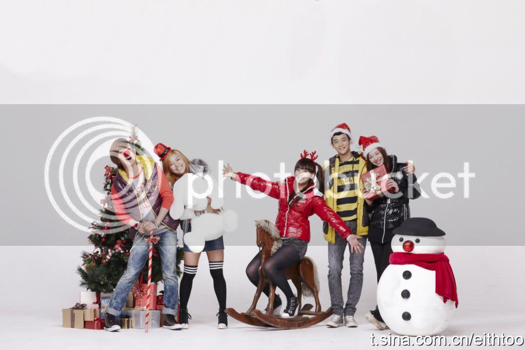 [PICS] 101223 f(x) và SHINee's trong hình ảnh quảng cáo Giáng sinh của Eithtoo! 6b01658cjw6dcmsvxvwg5j