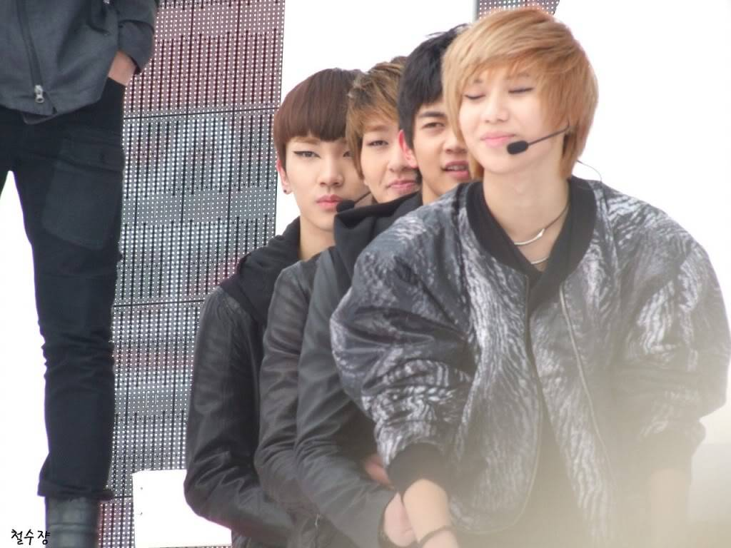 [PICS]101223 SHINee - MBC Music Core open stage recording Fourl