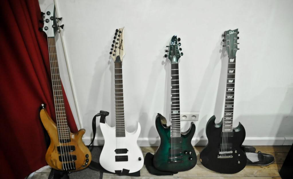 Vou trocar a cor do baixo!! Sugestões?! Guitars-32