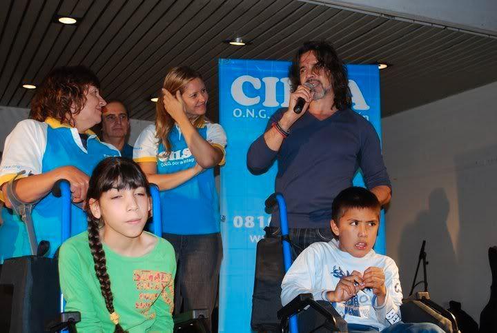Osvaldo en un evento solidario 26885_1421845710703_1369508389_3111