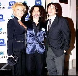 Osvaldo en los premios fund TV Osvaldo-yviviana