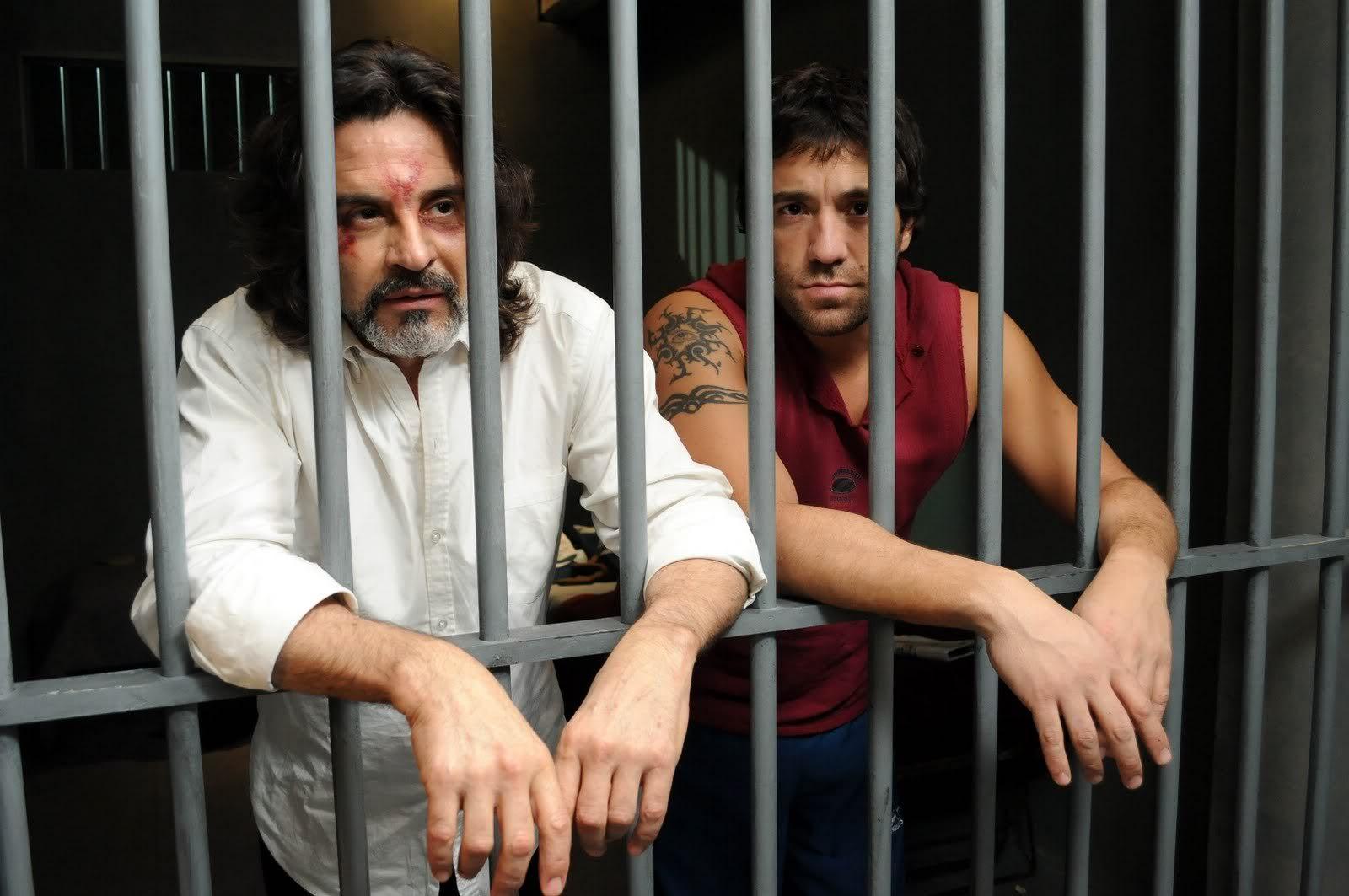 Rodolfo es llevado a prisión  RodolfoyPucho1