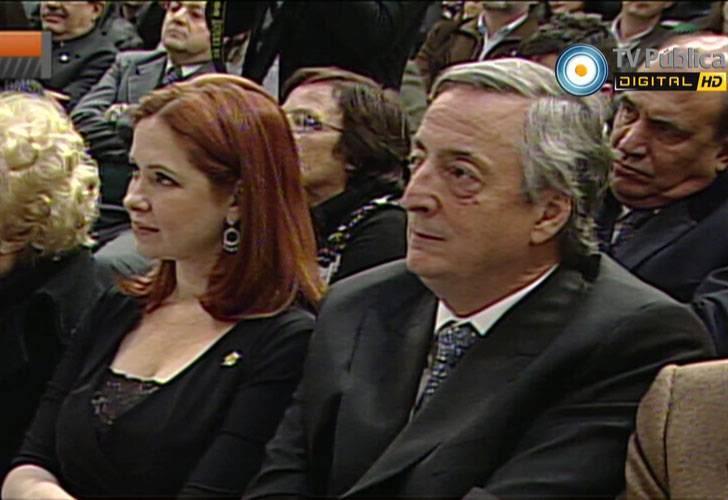 Андреа еще на одном политическом мероприятии 0726_andreadelboca_kirchner_gjpg_1121220956