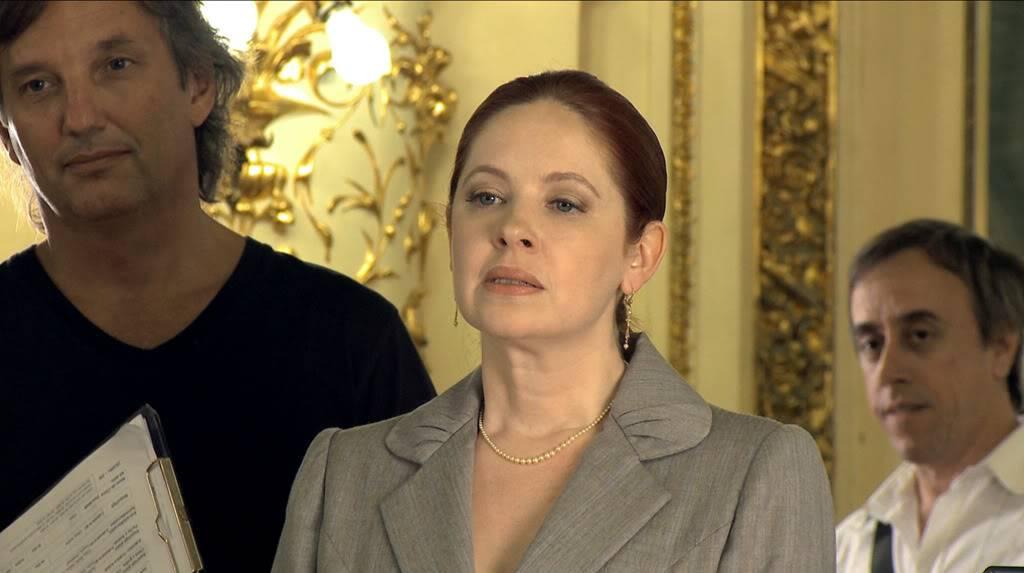 Андреа в короткометражке в честь двухсотлетия Аргентины 14