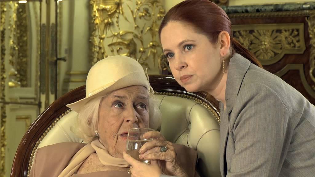 Андреа в короткометражке в честь двухсотлетия Аргентины 5