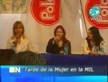 Фотографии / Fotos (часть 2) - Página 4 Andrea_tarde_d_la_mujer_01_05