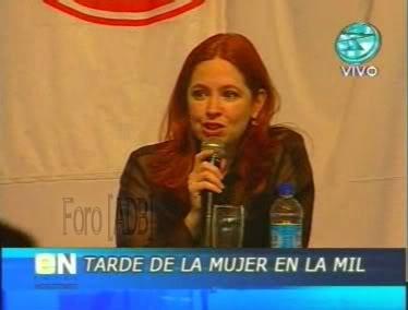 Фотографии / Fotos (часть 2) - Página 4 Andrea_tarde_d_la_mujer_01_70