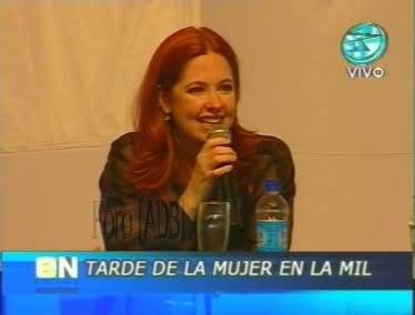 Фотографии / Fotos (часть 2) - Página 4 Andrea_tarde_d_la_mujer_01_72