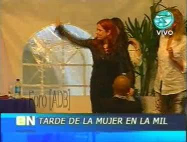 Фотографии / Fotos (часть 2) - Página 4 Andrea_tarde_d_la_mujer_01_74