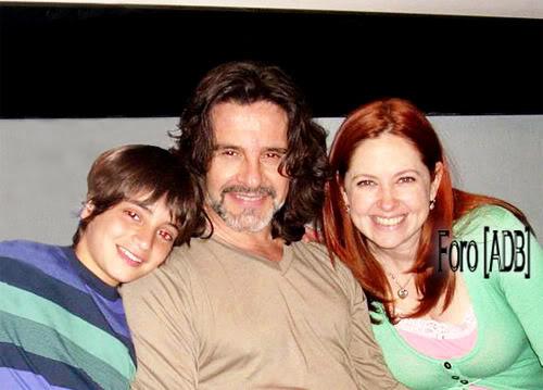 Fotos y capturas AQMQ - Página 3 Familia_feliz--