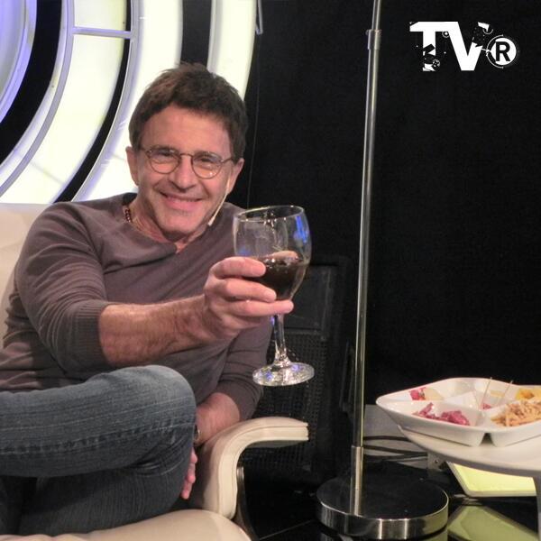 Освальдо Лапорт / Osvaldo Laport - Página 11 BJdoldTCIAEamkAjpglarge