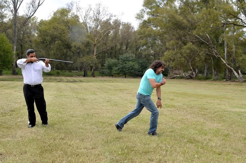 Gastón le dispara a Rodolfo Gaston_dispara_a_Rodolfo_2