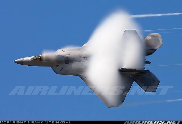 F-22 Raptor: todos quieren derribarlo 2039177