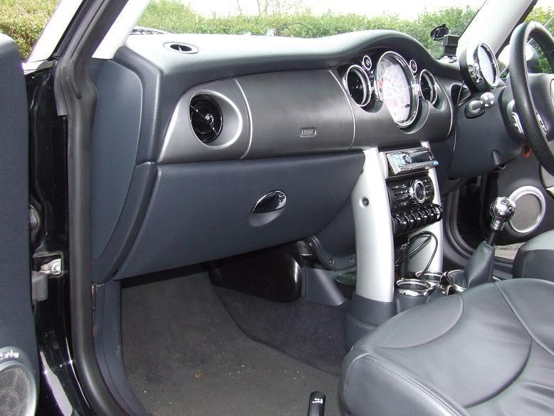 Housty's  Chariots Mini12