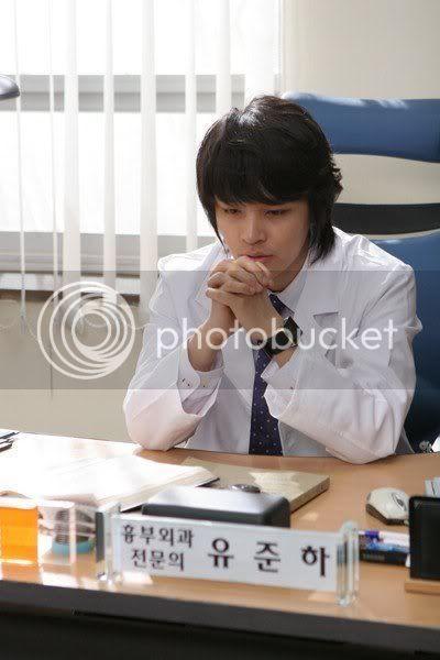 Witch Yoo Hee -->Kim John Hoon Newsen2