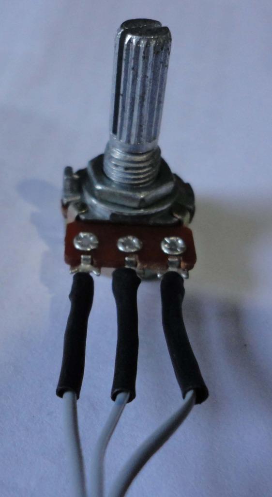 LED associado a chave Fotopot