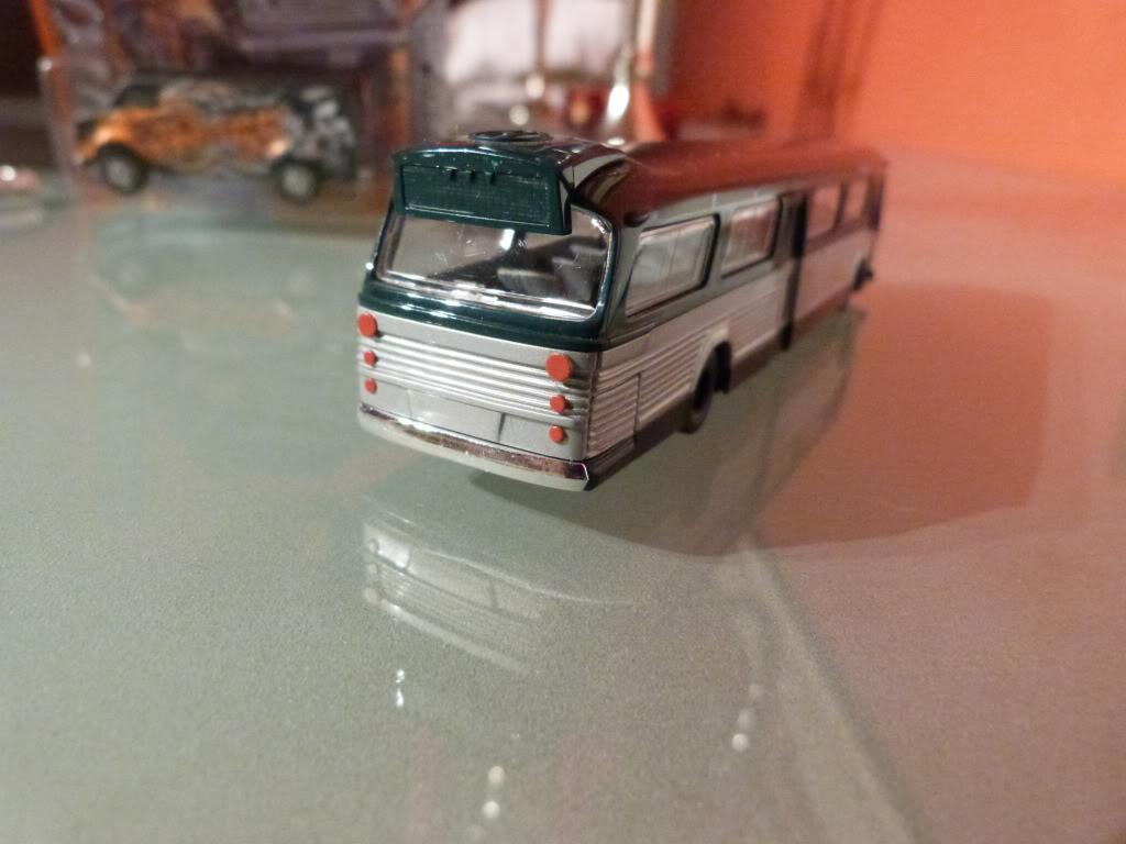 buses vintage en 1/87 Nuevos2013003