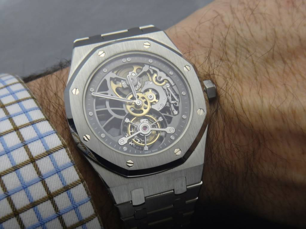 SIHH 2012 - Audemars Piguet Royal Oak Squelette et  Royal Oak Tourbillon Squelette 40 ans DSC01385