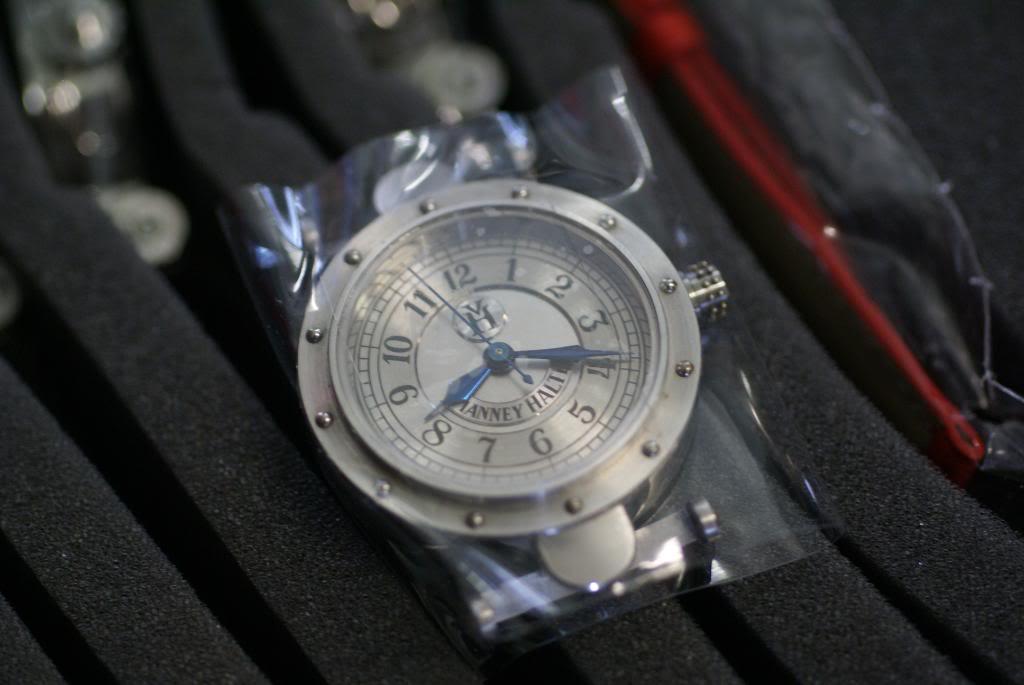 Vos plus belles photos de montres! DSC03626