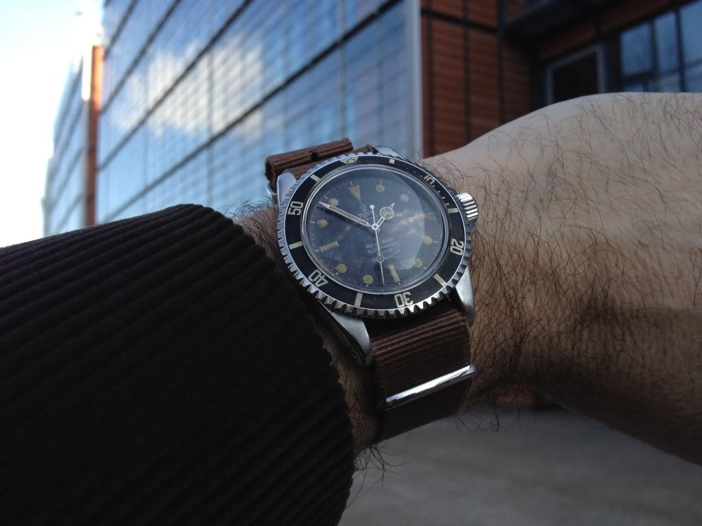 Des montres dans la ville 5f82d074