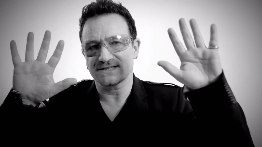 Sexy U2 [Parte 6] - Pagina 16 BONO10FINGERS