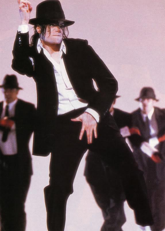 Dangerous.......sexy y peligroso..♥ Michael-33-michael-jackson-9895622--1